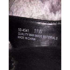 Bella Vita Shoes - 11W Black Croc 4'' Chunky Heel Slingback